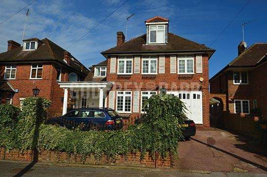 5 Bedrooms Detached House for sale in Aylmer Road, Hampstead Garden Suburb Borders