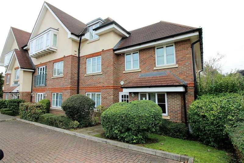 2 Bedrooms Apartment Flat for sale in Christopher Court, Great North Way, Hendon, London