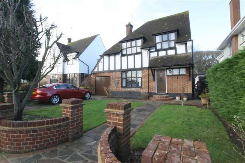 3 Bedrooms Detached House for sale in Woodside, Leigh-On-Sea, Essex