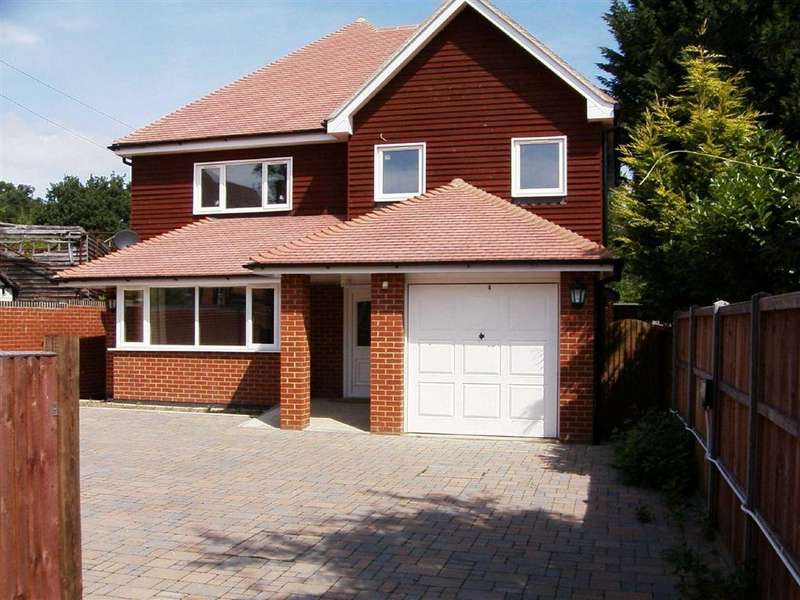 4 Bedrooms Detached House for rent in Rickmansworth Road, Northwood