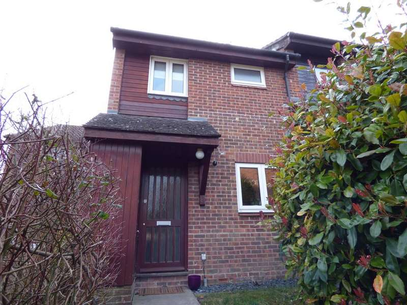 2 Bedrooms Terraced House for sale in Lowden Close, Badger Farm