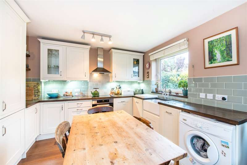 2 Bedrooms Flat for sale in Cressy Court, Wingate Road, London, W6