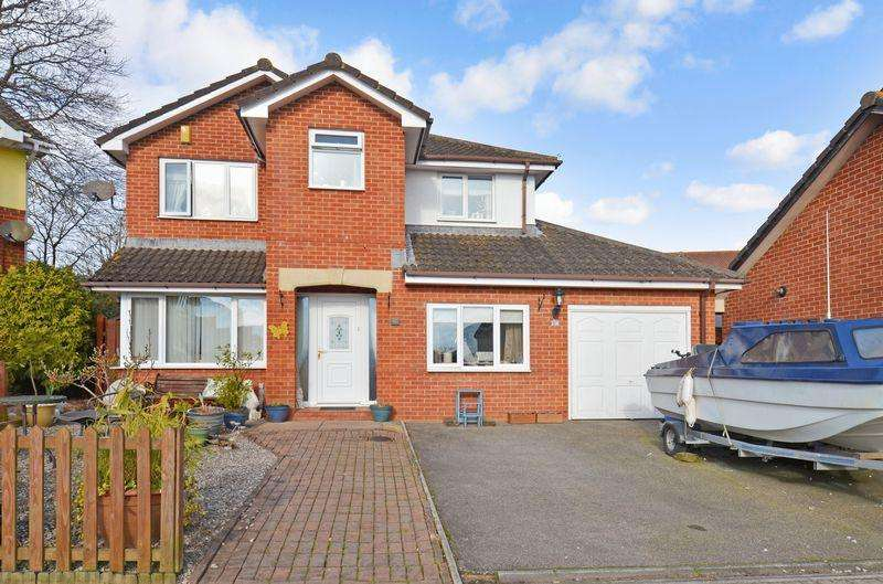 5 Bedrooms Detached House for sale in Mulberry Close, Paignton