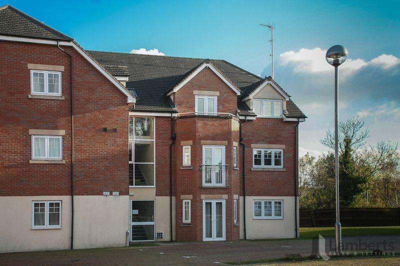 2 Bedrooms Apartment Flat for sale in 15 New Coppice Court, Evesham Road, Redditch B97 5JP