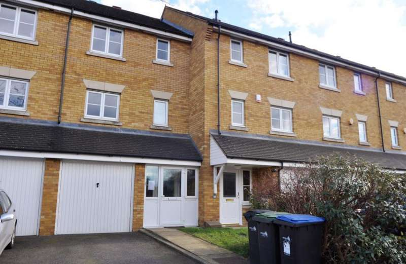 5 Bedrooms House for rent in Westminster Drive, London, N13