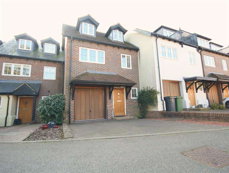 3 Bedrooms House for sale in Mosse Court, Fareham