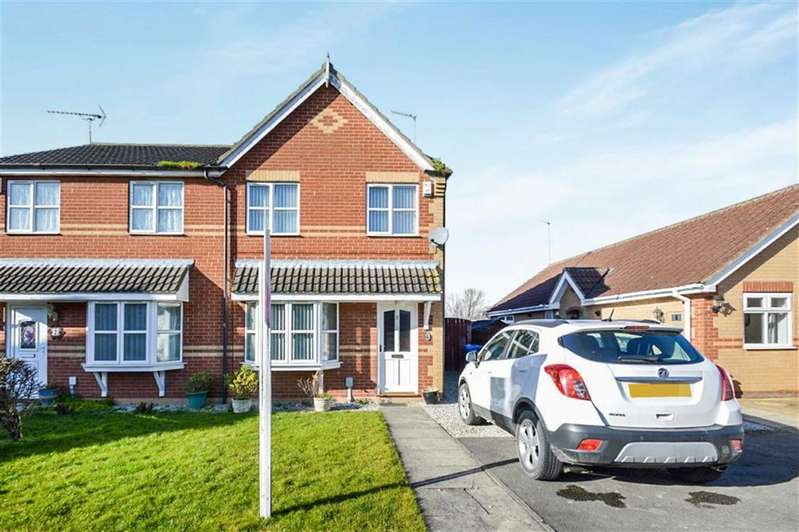 3 Bedrooms Semi Detached House for sale in Sleightholme Close, Hull