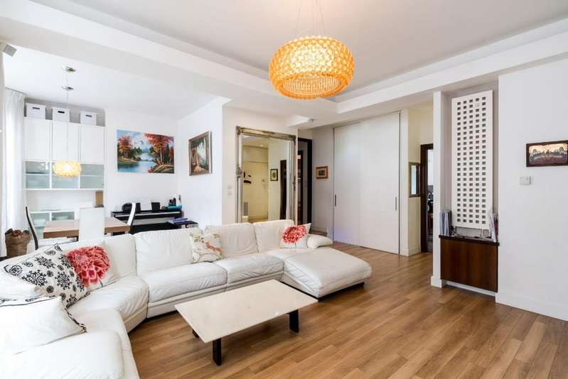 3 Bedrooms Apartment Flat for sale in Bryanston Mansions, York Street W1H