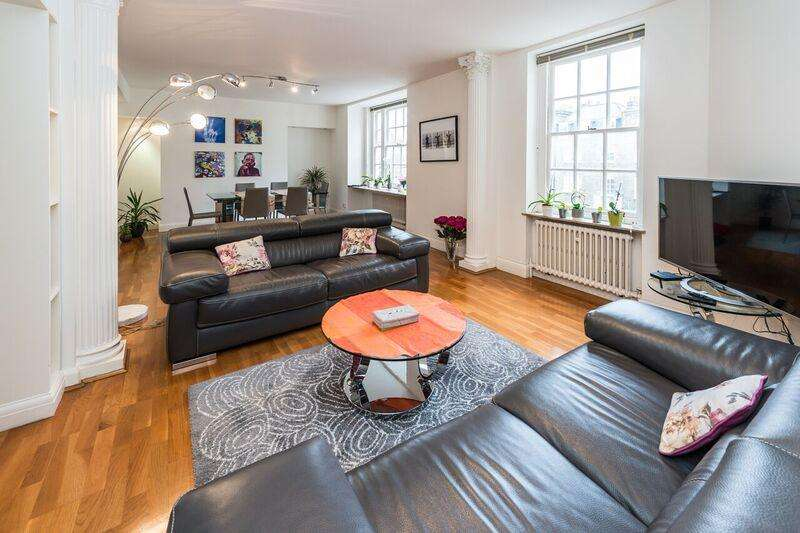 3 Bedrooms Flat for sale in Clarewood Court, Crawford Street, London W1H
