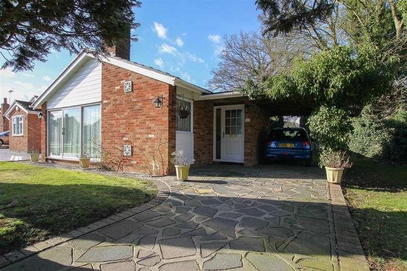2 Bedrooms Detached Bungalow for sale in Shortcroft, Kelvedon Hatch, Brentwood