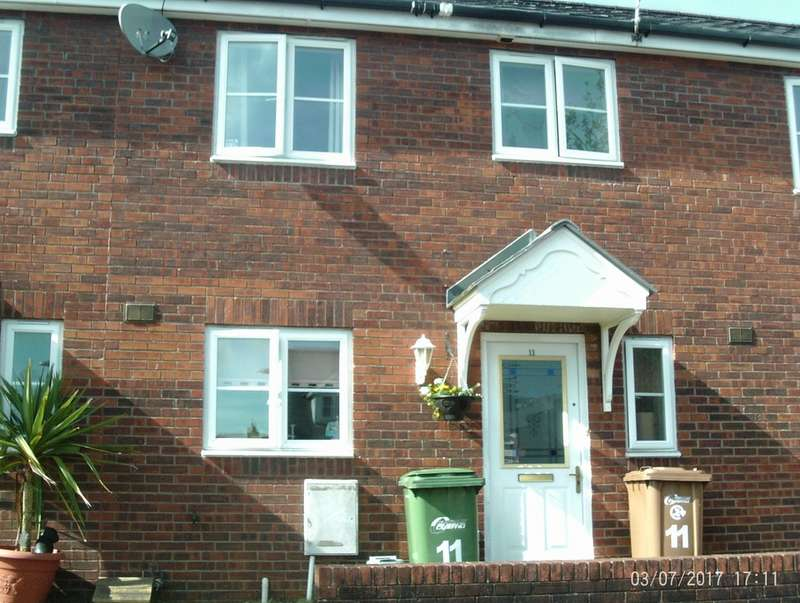 3 Bedrooms Semi Detached House for rent in Cwrt Pantycelyn, Pontllanfraith, Blackwood NP12