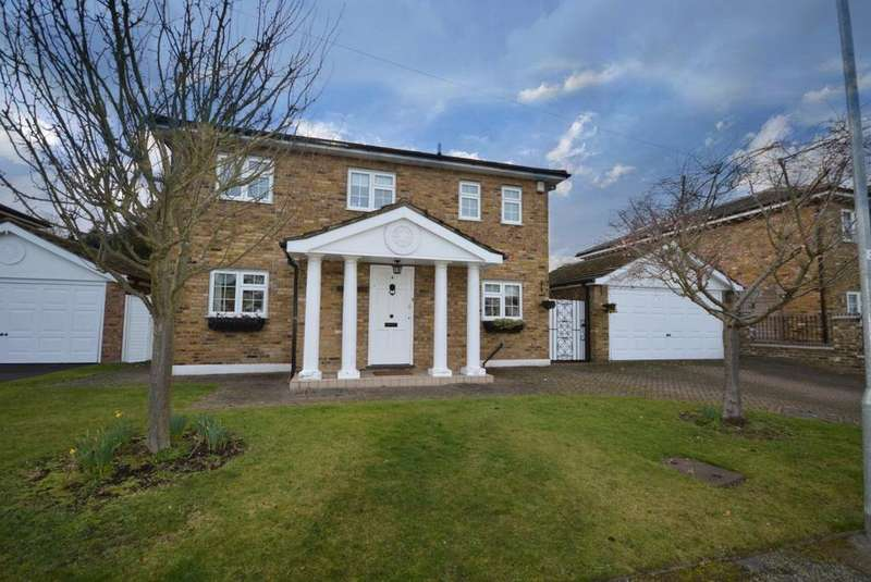 4 Bedrooms Detached House for sale in Clairvale, Hornchurch, Essex, RM11