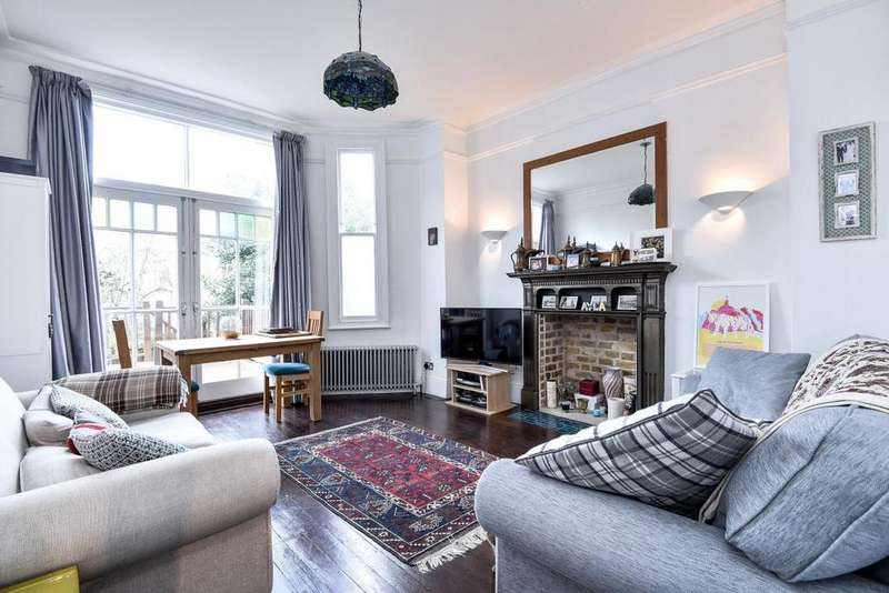 2 Bedrooms Flat for sale in Coniston Road, Muswell Hill