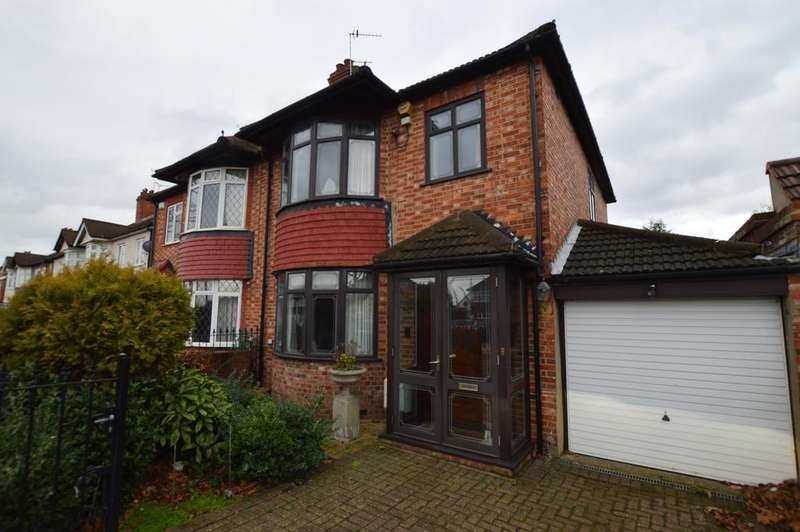 3 Bedrooms Detached House for sale in Sidcup Road London SE9