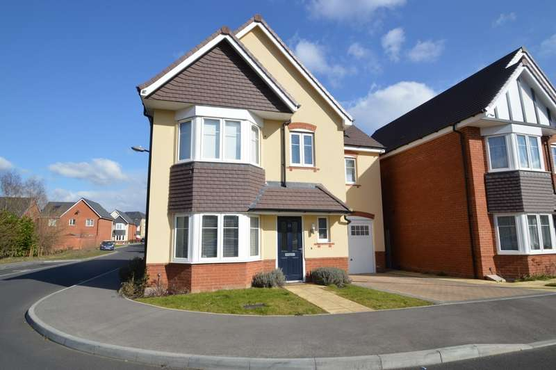 4 Bedrooms Detached House for sale in Boxall Way, Langley, SL3