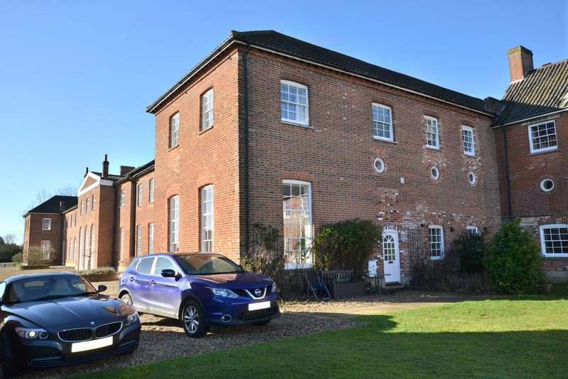 4 Bedrooms Detached House for sale in Wicklewood