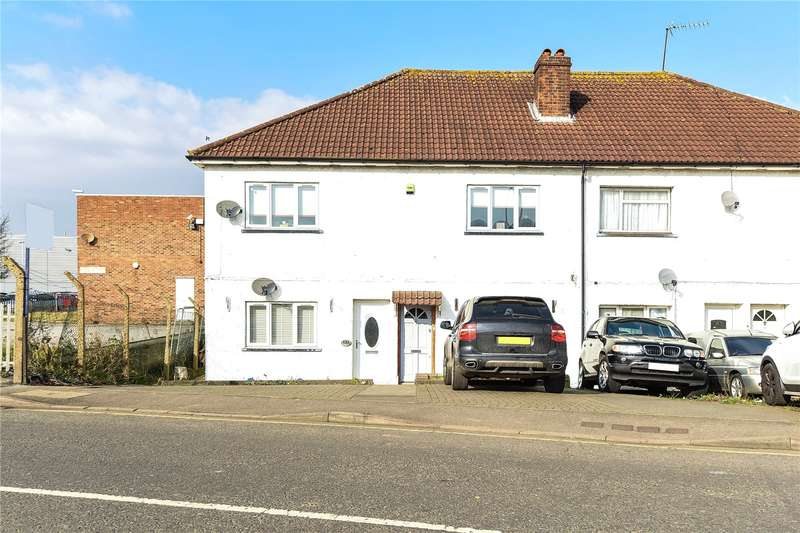 3 Bedrooms Apartment Flat for sale in Horton Road, West Drayton, Middlesex, UB7