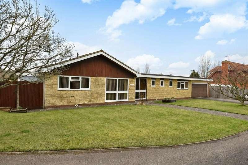 3 Bedrooms Detached Bungalow for sale in Upper Farringdon, Alton, Hampshire