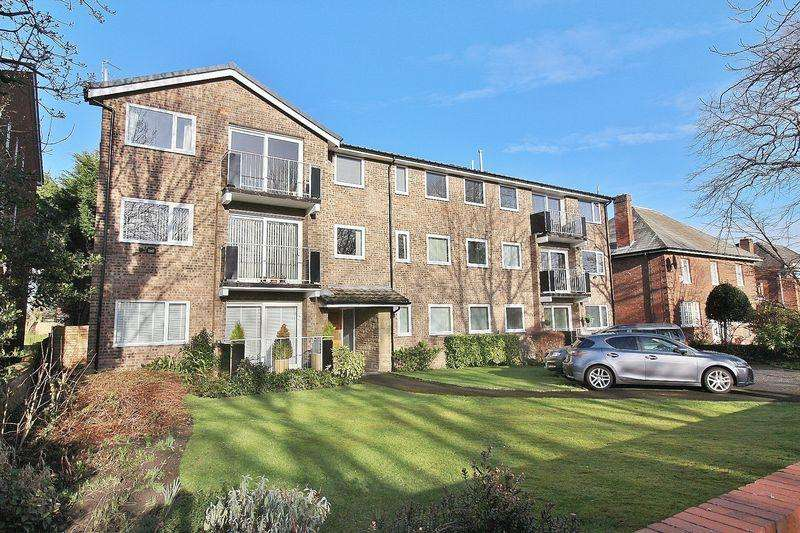 2 Bedrooms Flat for rent in Shore Road, Southport No Pets