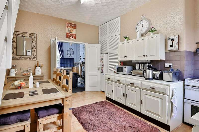 2 Bedrooms Terraced House for sale in Whitelees Road, Littleborough, OL15 8EF