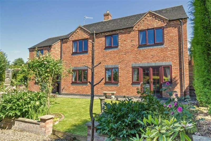 4 Bedrooms Detached House for sale in High Street, Newchapel, Stoke-on-Trent