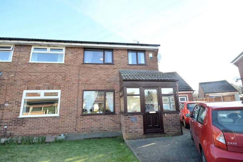 3 Bedrooms Semi Detached House for sale in Whimbrel Close, Beechwood, Runcorn