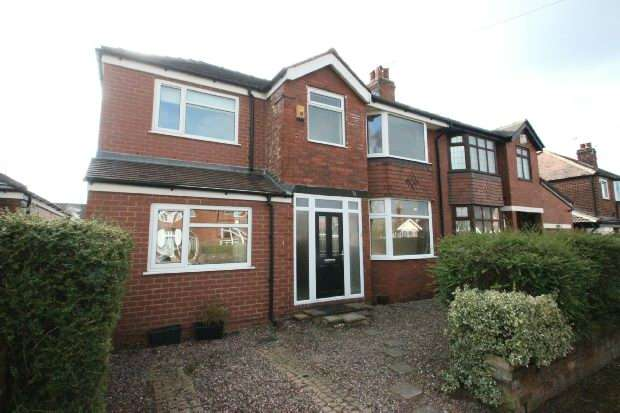 4 Bedrooms Semi Detached House for rent in Craddock Road, Sale