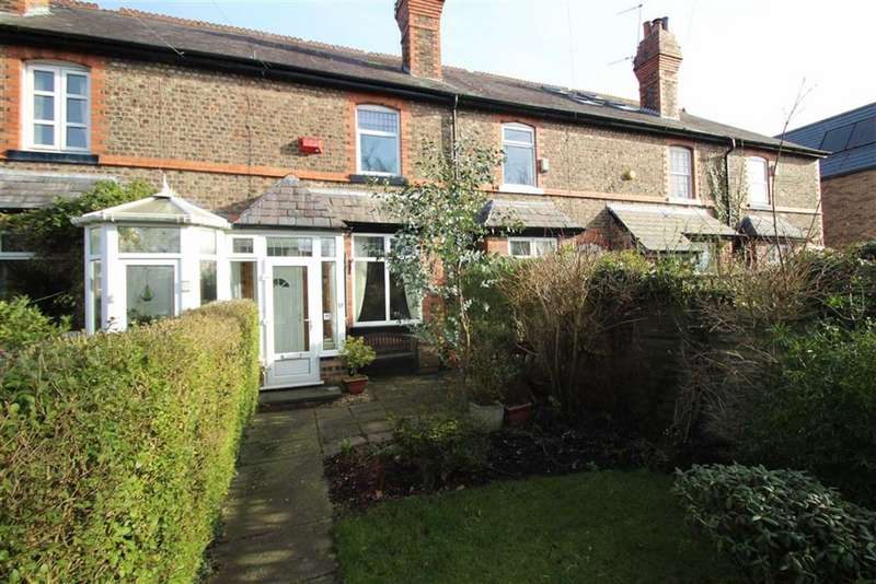 2 Bedrooms Terraced House for sale in Knutsford View, Hale Barns, Altrincham