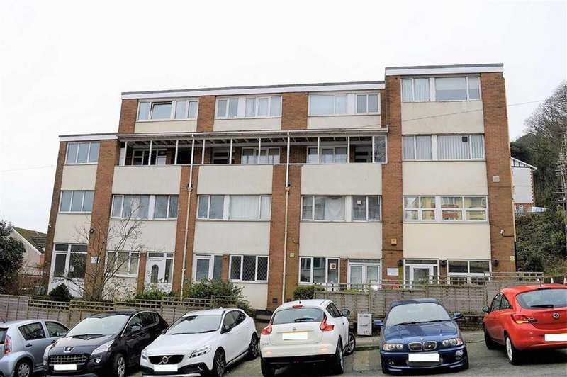 2 Bedrooms Flat for sale in Windsor Court, Swansea, SA1