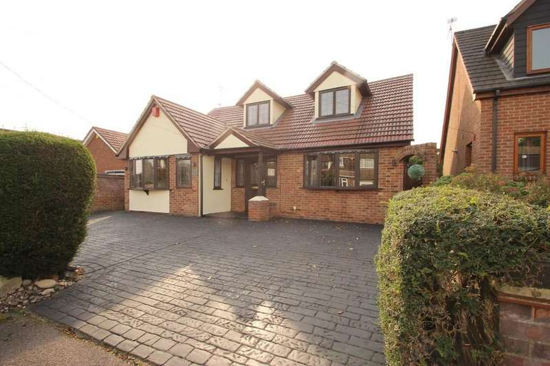4 Bedrooms Detached House for sale in Hook End, CM15