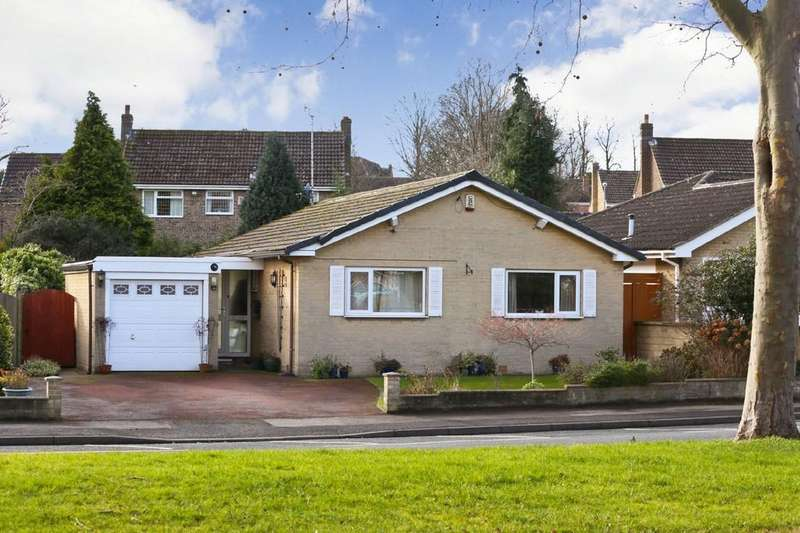 3 Bedrooms Detached Bungalow for sale in Walton Lane, Sandal