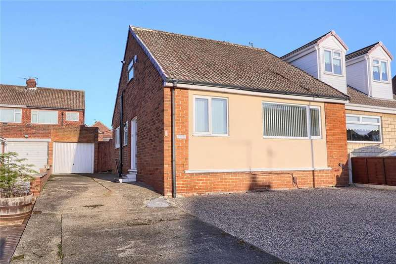 2 Bedrooms Semi Detached Bungalow for sale in North Bank Crescent, Ormesby