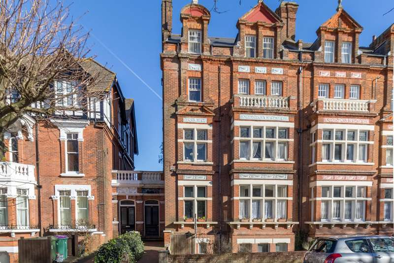 2 Bedrooms Apartment Flat for sale in Castle Hill Avenue, Folkestone CT20