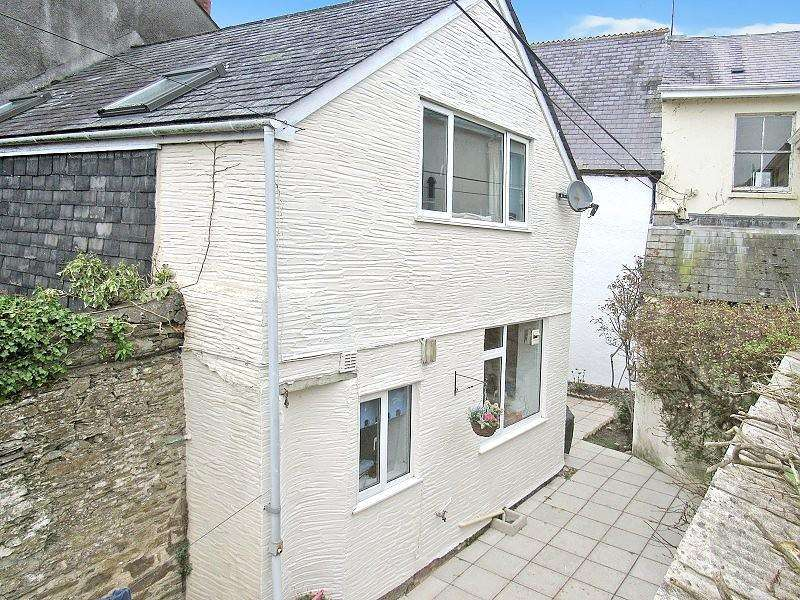 2 Bedrooms Terraced House for rent in Modbury Town