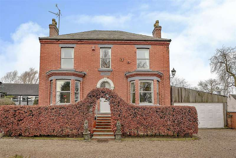 4 Bedrooms Detached House for sale in Trent Lock, Long Eaton