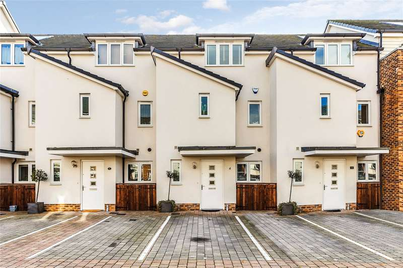 3 Bedrooms Terraced House for sale in Pyle Close, Addlestone, Surrey, KT15
