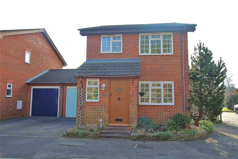 3 Bedrooms Link Detached House for sale in Camellia Court, West End, Woking, Surrey, GU24