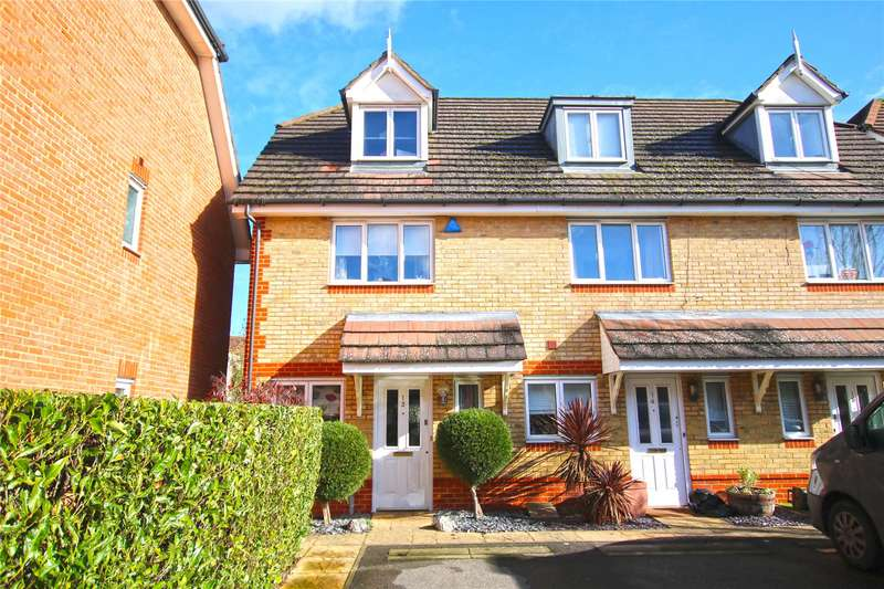 3 Bedrooms End Of Terrace House for sale in Campbell Close, Byfleet, Surrey, KT14