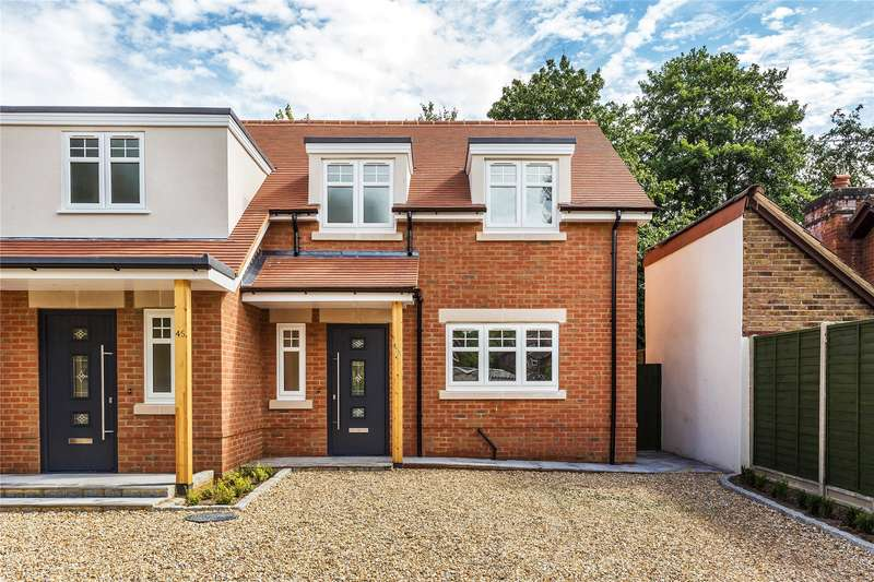 3 Bedrooms Semi Detached House for sale in Horsell Moor, Woking, Surrey, GU21