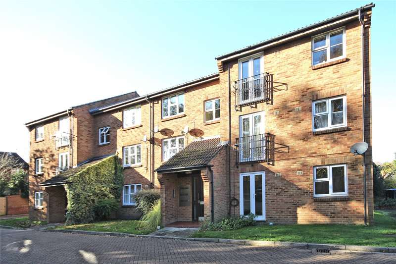 2 Bedrooms Apartment Flat for sale in Azalea Court, Woking, Surrey, GU22