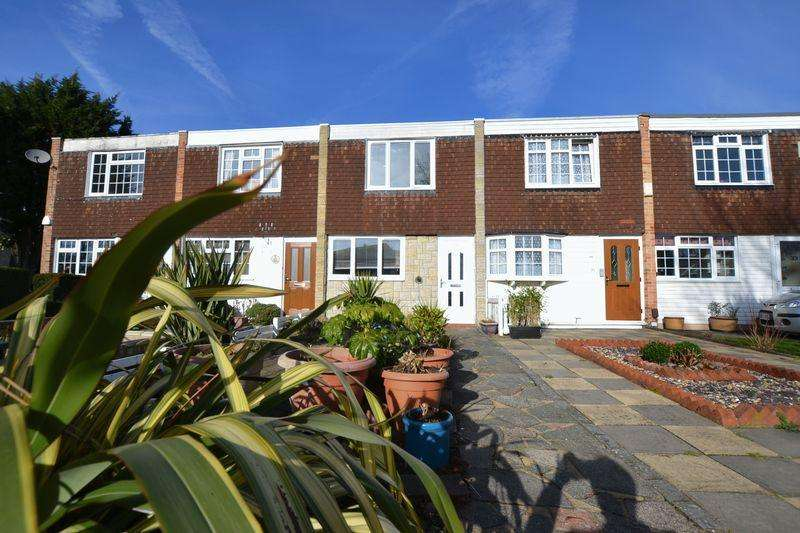 2 Bedrooms Terraced House for sale in Breckonmead, Bromley