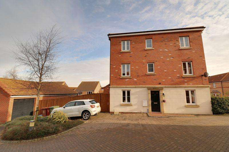 4 Bedrooms Semi Detached House for sale in Clipson Crest, Barton-Upon-Humber