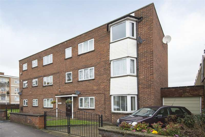 1 Bedroom Flat for sale in Albert House, 3 Victoria Road, London, E18