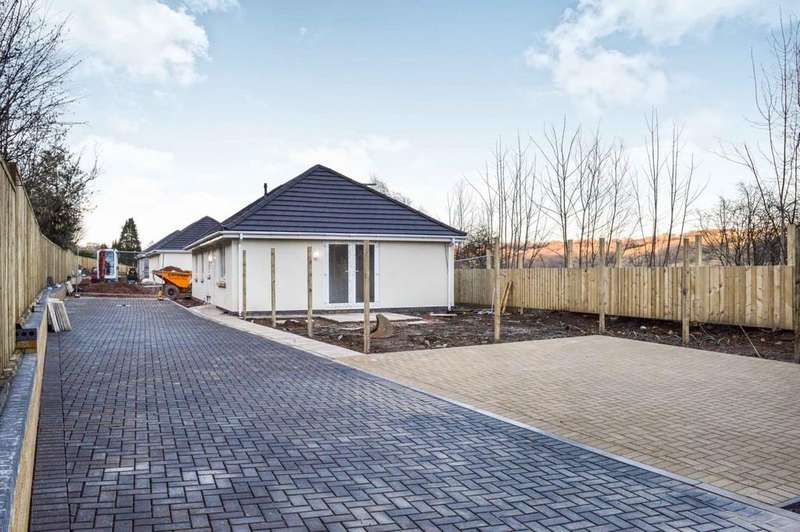 3 Bedrooms Detached Bungalow for sale in Plot 1, Caerphilly Road, Ystrad Mynach