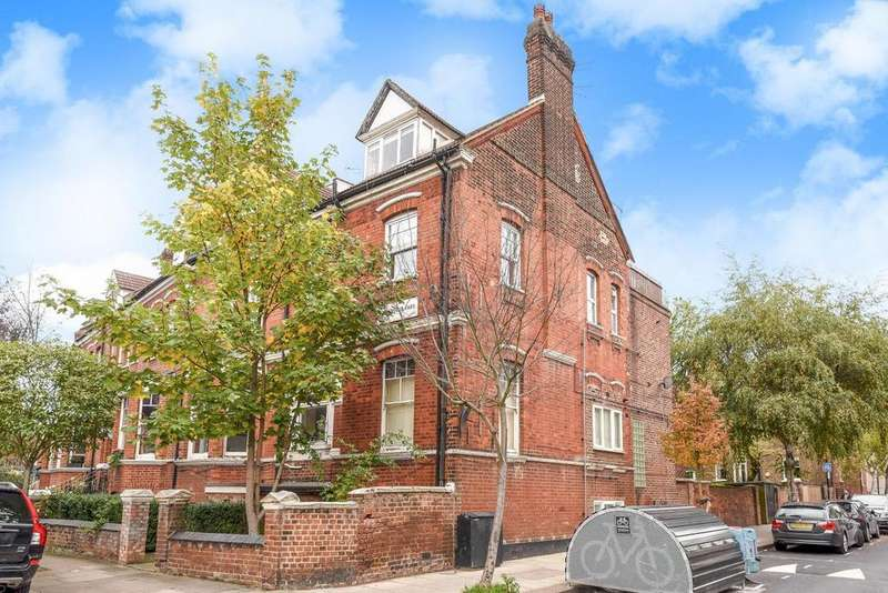 2 Bedrooms Flat for sale in Dennington Park Road, West Hampstead