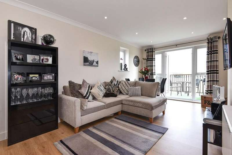 1 Bedroom Flat for sale in St. Catherines Close, Raynes Park