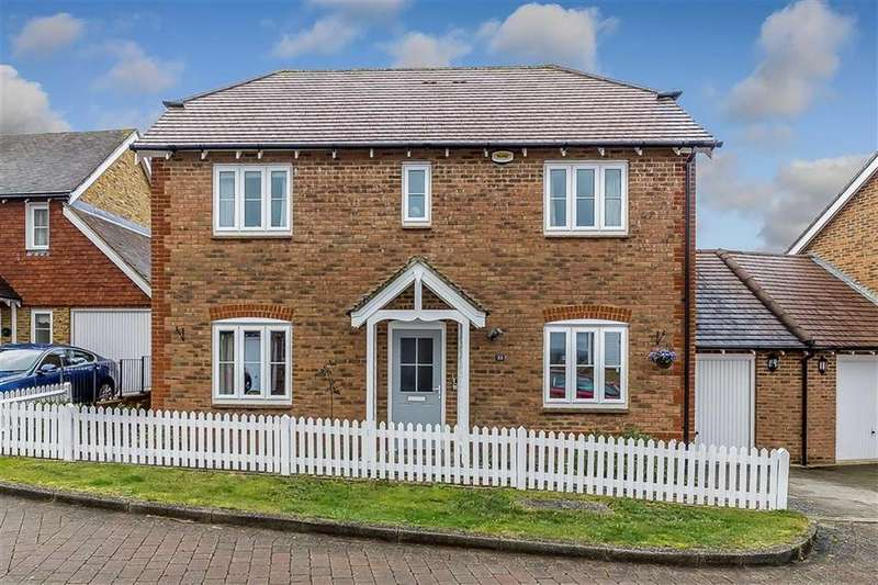 4 Bedrooms Detached House for sale in Green Fields Lane, Great Chart, Ashford