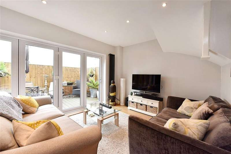 3 Bedrooms End Of Terrace House for sale in Woodland Grove, Greenwich, London