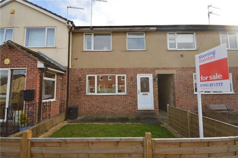 3 Bedrooms Terraced House for sale in Park Grove, Yeadon, Leeds, West Yorkshire