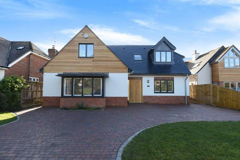 5 Bedrooms Detached House for sale in Bovingdon Green